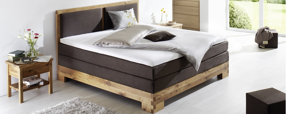 boxspringbett aus massivholz lifestyle und design. Black Bedroom Furniture Sets. Home Design Ideas