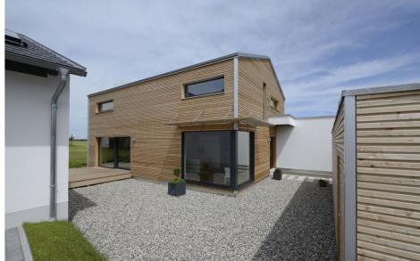 Design Holzhaus Wriedt von Baufritz Innenhof | Lifestyle und Design