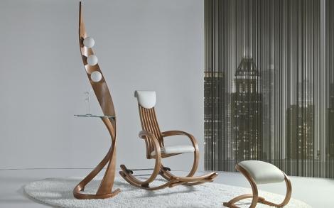Designer Schaukelstuhl und Designer Leuchte   Lifestyle und Design