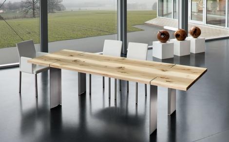 Massivholztisch mit Astlöcher von Scholtissek | Lifestyle und Design