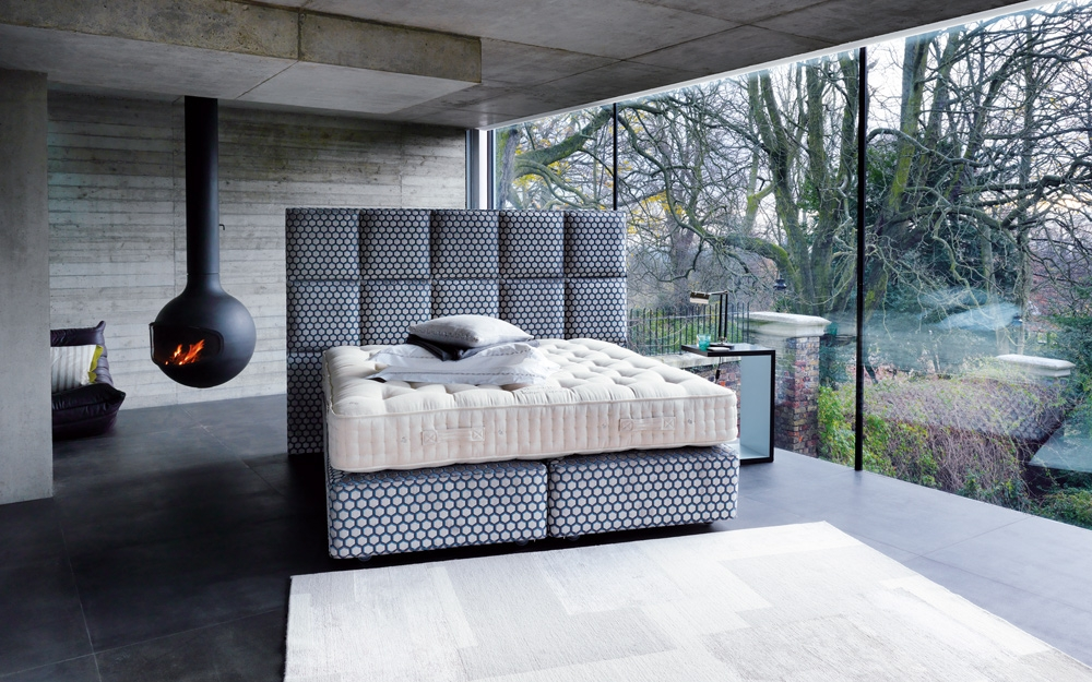 vi spring signatory boxspring betten und luxus betten von vi spring lifestyle und design. Black Bedroom Furniture Sets. Home Design Ideas