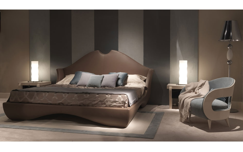 doppelbett und sessel italienische designer m bel von. Black Bedroom Furniture Sets. Home Design Ideas