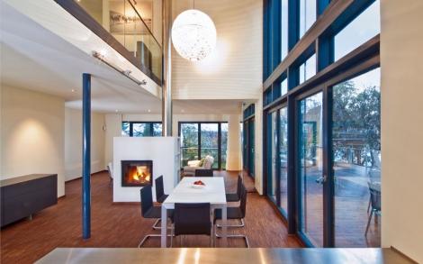 freiraum im wohn und essbereich im design holzhaus von baufritz lifestyle und design. Black Bedroom Furniture Sets. Home Design Ideas