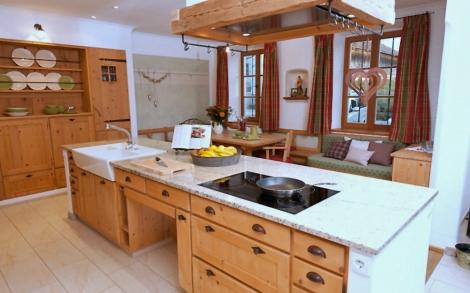 Küchenhaus  Antike Küchen, Landhausküchen von Nussdorfer | Lifestyle und Design