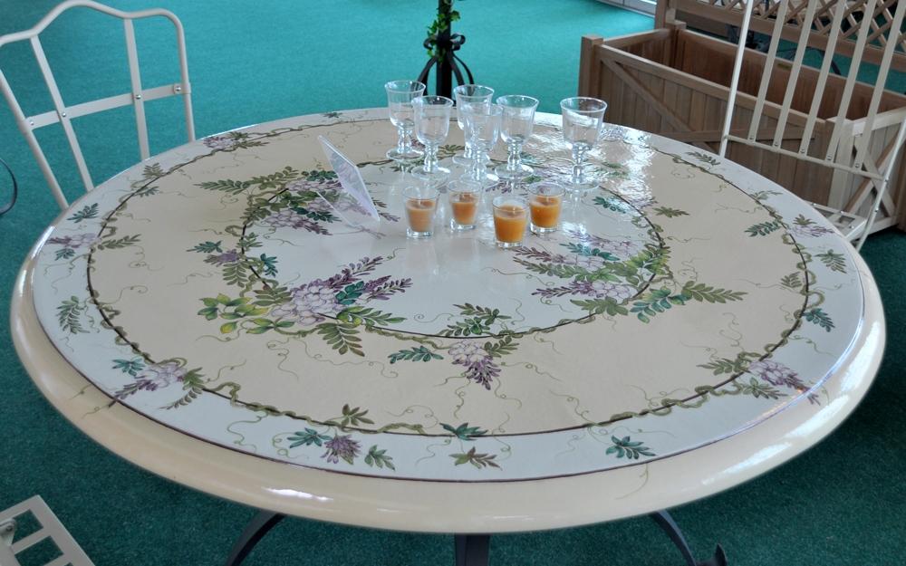 Tisch osiride von unopi lifestyle und design for Kreuch tisch und design
