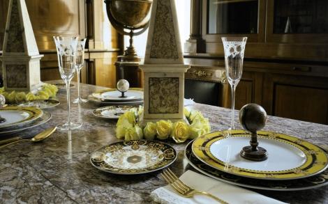 versace barocco lifestyle und design. Black Bedroom Furniture Sets. Home Design Ideas