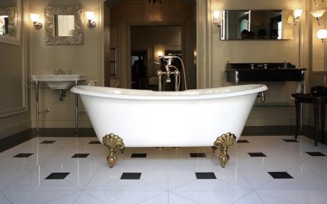 Baddesign badewanne admiral luxus bad b der von devon for Italienisches baddesign