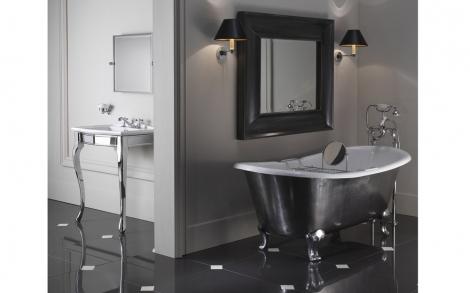 Baddesign badewanne mit nostalgie bad armaturen luxus for Bad italienisches design