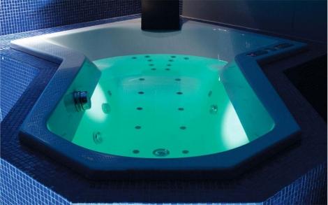Whirlpool badewanne  Ein Whirlpool Badewanne für Ihr Badezimmer von repaBad | Lifestyle ...